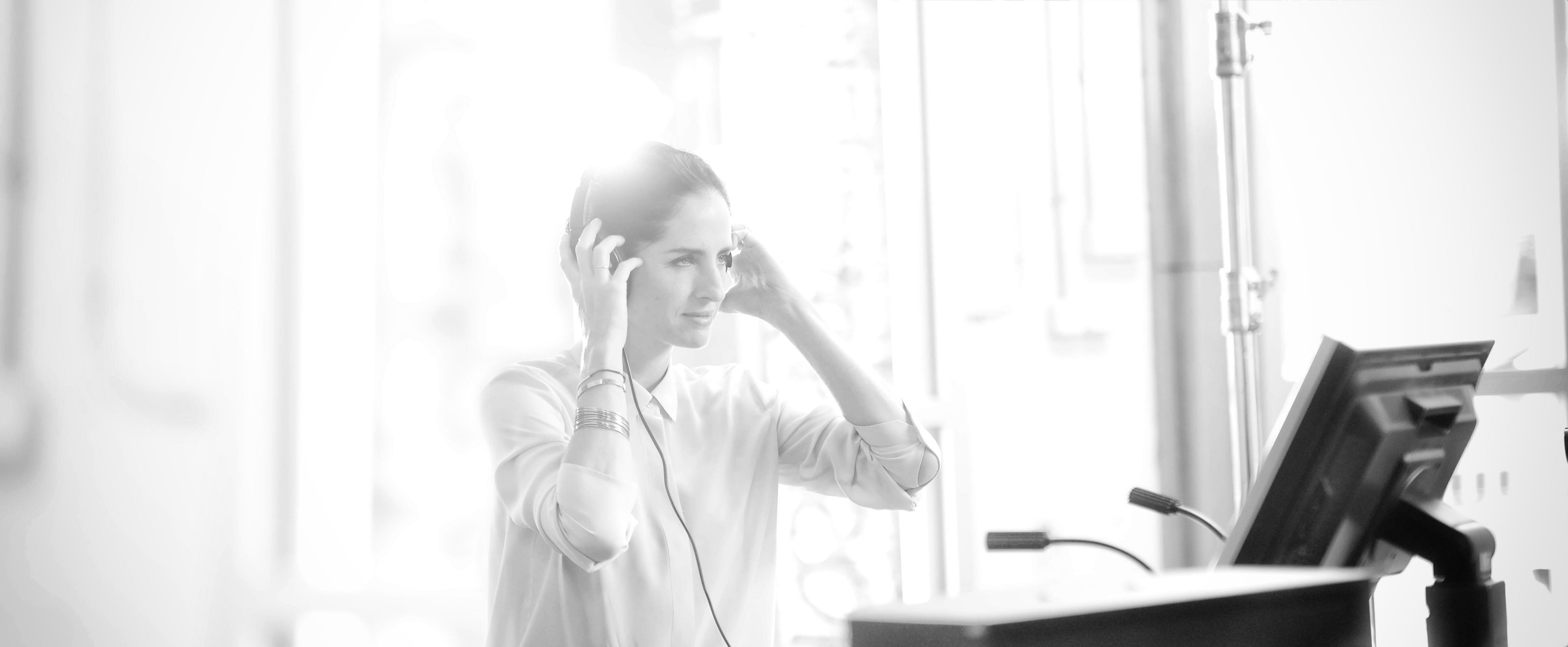 CHPINK16_MakingOf_CHDB with headphones_BW