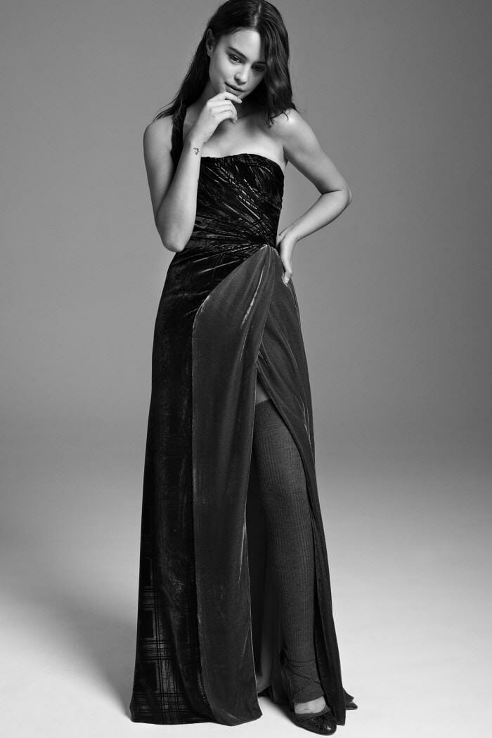 Carolina Herrera New York Pre Fall 2017 Look Courtney Eaton Wearing New Collection Dress