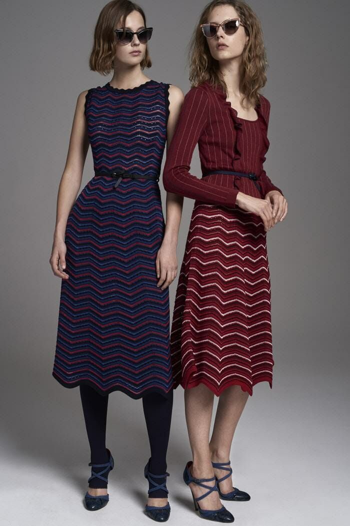 Carolina Herrera New York Pre Fall 2017 Look Models Wearing New Collection Dress Blue Red