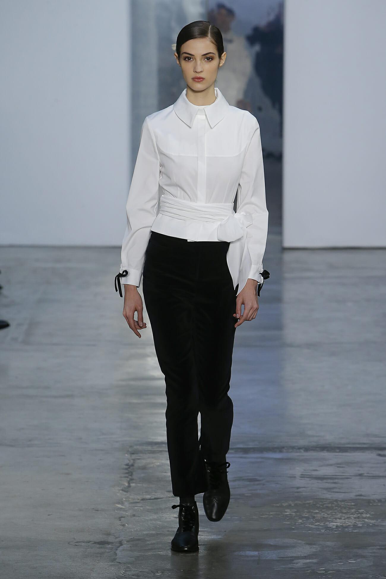 Look 2 carolina herrera for Carolina herrera white shirt collection