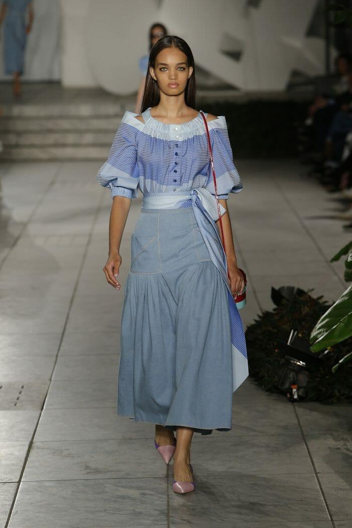 Carolina-Herrer-NY_Spring-18-Runway-show-10