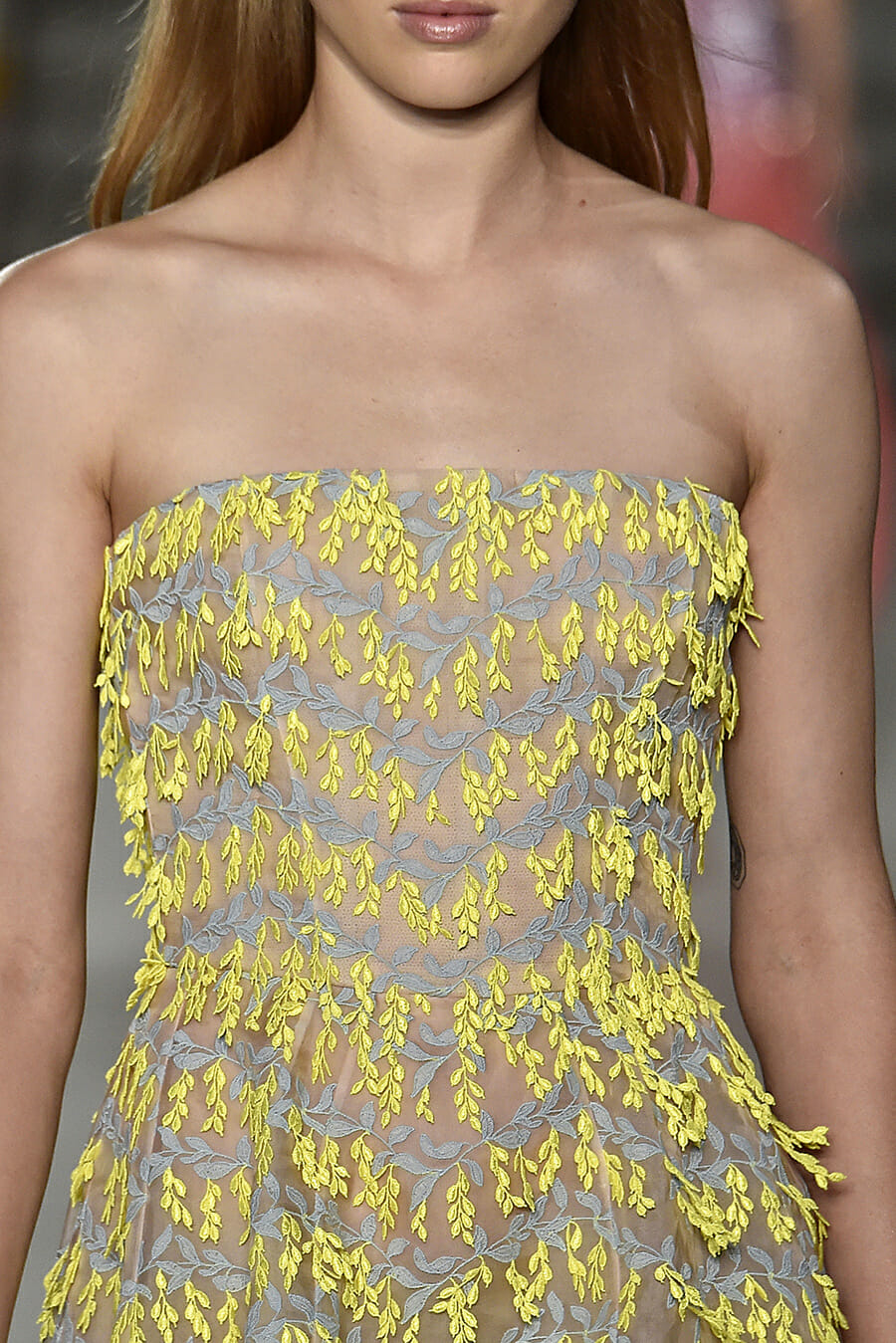 Carolina-Herrera-New-York-Fashion-Week-Spring-Summer-2018-NY-September-2017-look-31-detail1