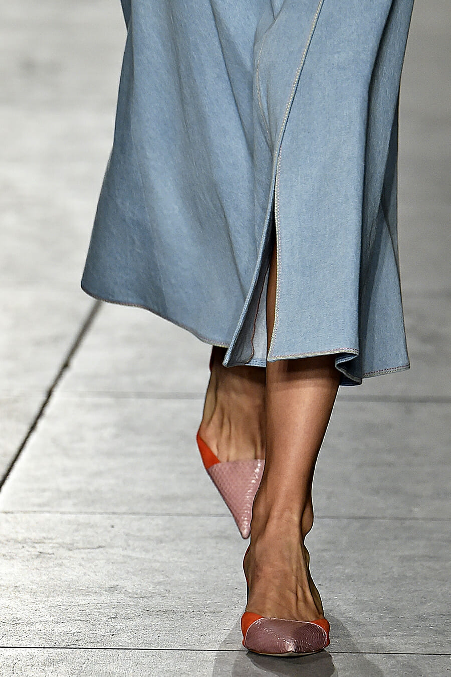 Carolina-Herrera-New-York-Fashion-Week-Spring-Summer-2018-NY-September-2017-look12-detail3