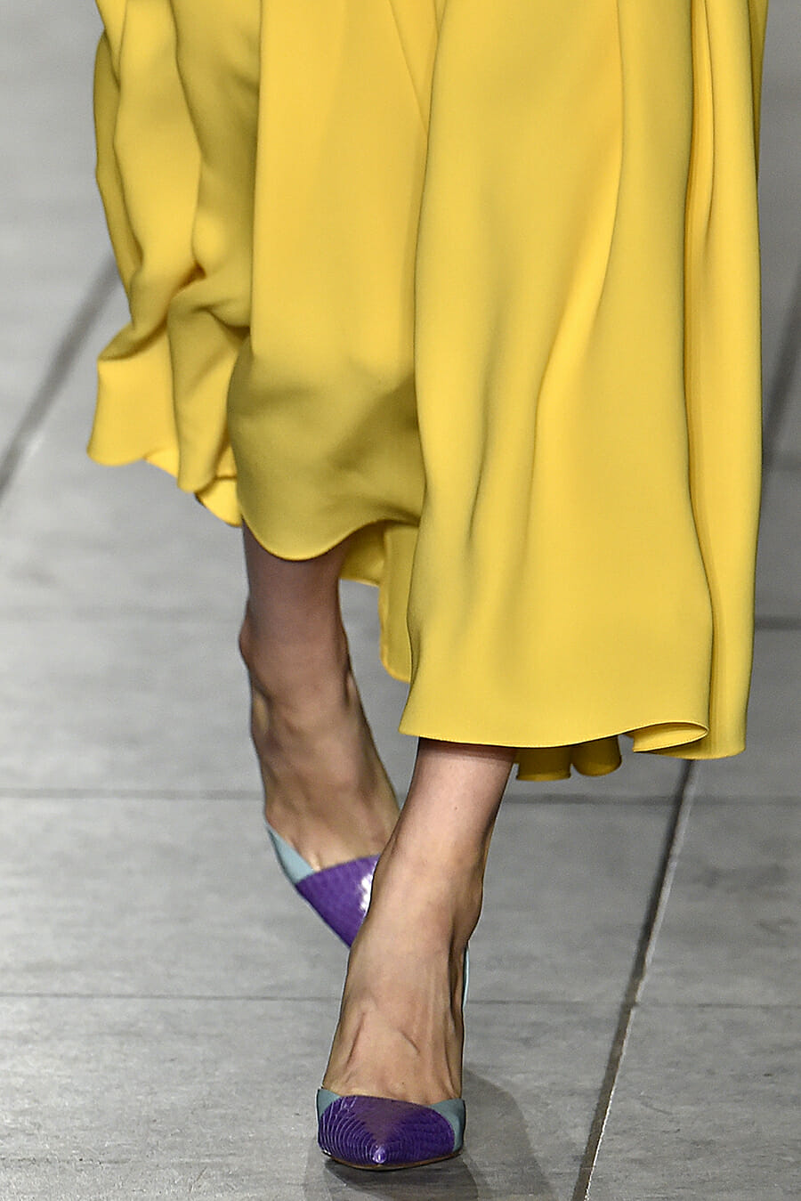 Carolina-Herrera-New-York-Fashion-Week-Spring-Summer-2018-NY-September-2017-look14-detail3