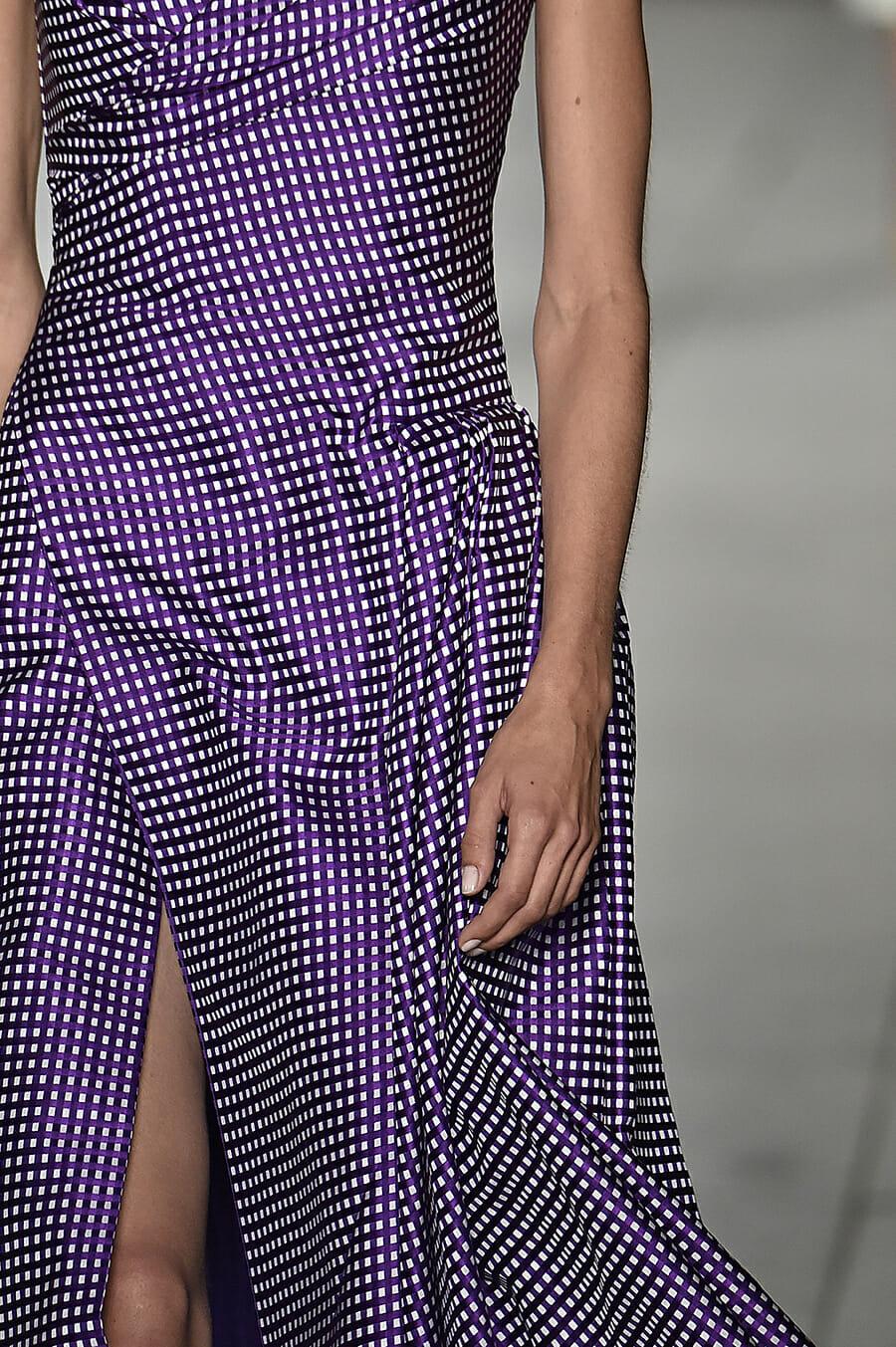 Carolina-Herrera-New-York-Fashion-Week-Spring-Summer-2018-NY-September-2017-look1-detail2