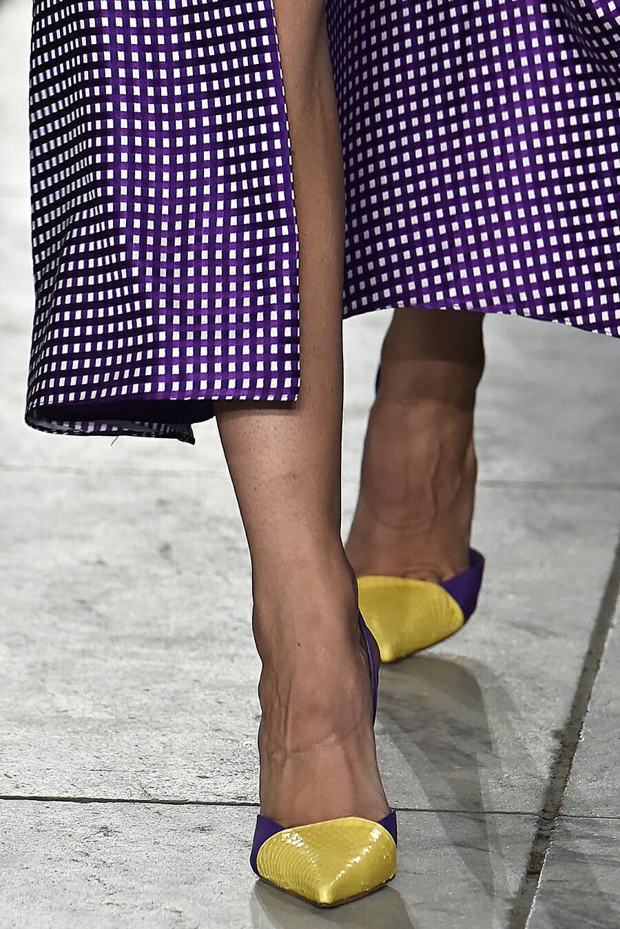 Carolina-Herrera-New-York-Fashion-Week-Spring-Summer-2018-NY-September-2017-look1-detail3