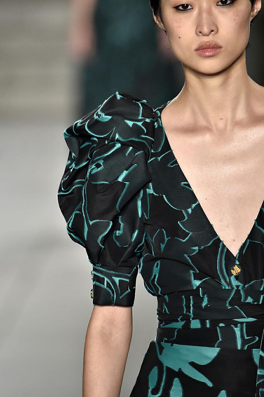 Carolina-Herrera-New-York-Fashion-Week-Spring-Summer-2018-NY-September-2017-look22-detail1