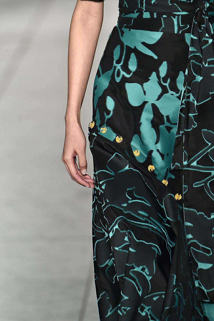 Carolina-Herrera-New-York-Fashion-Week-Spring-Summer-2018-NY-September-2017-look22-detail3