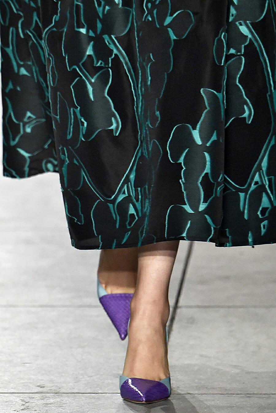 Carolina-Herrera-New-York-Fashion-Week-Spring-Summer-2018-NY-September-2017-look22-detail4