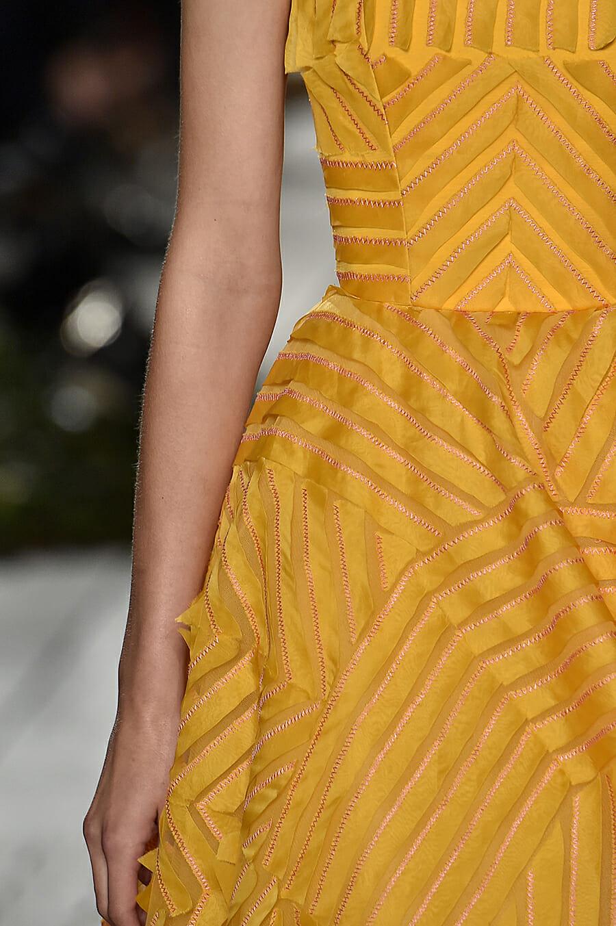 Carolina-Herrera-New-York-Fashion-Week-Spring-Summer-2018-NY-September-2017-look44-detail2