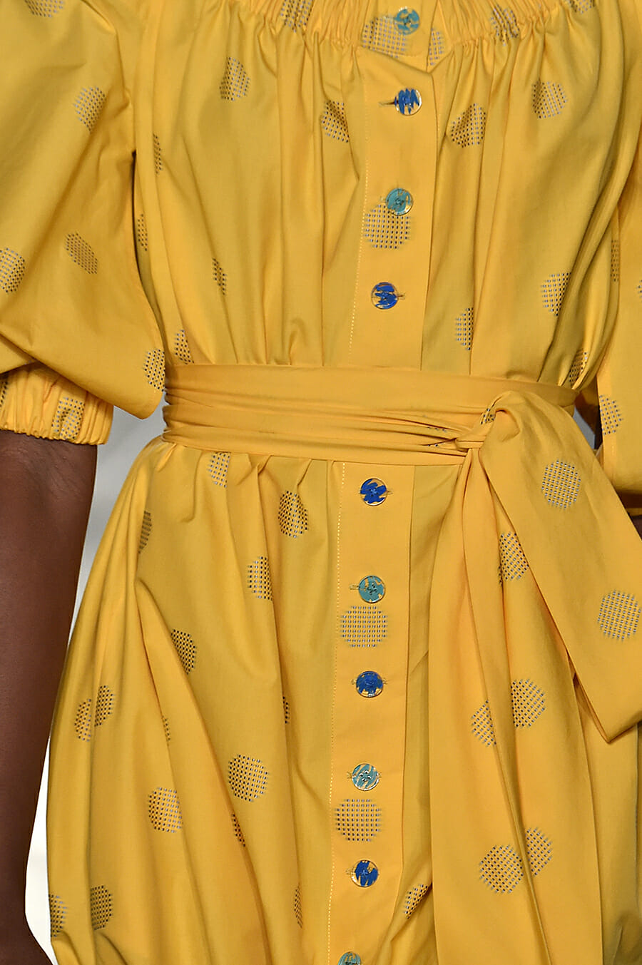 Carolina-Herrera-New-York-Fashion-Week-Spring-Summer-2018-NY-September-2017-look6-detail2