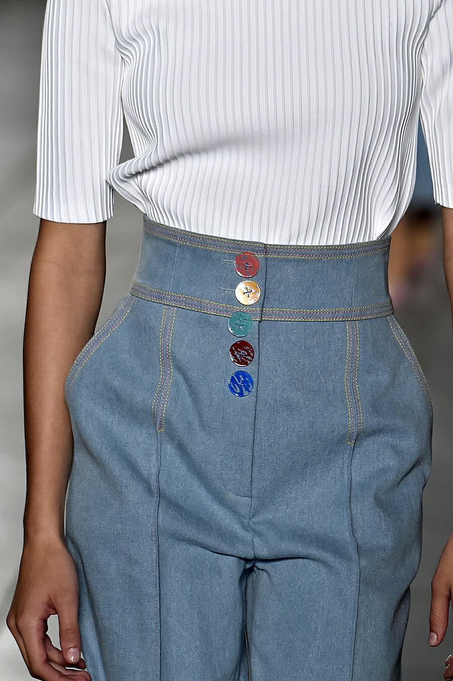 Carolina-Herrera-New-York-Fashion-Week-Spring-Summer-2018-NY-September-2017-look9-detail2
