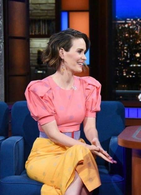 chny-fashion-Sarah-Paulson-wearing-carolina-herrera