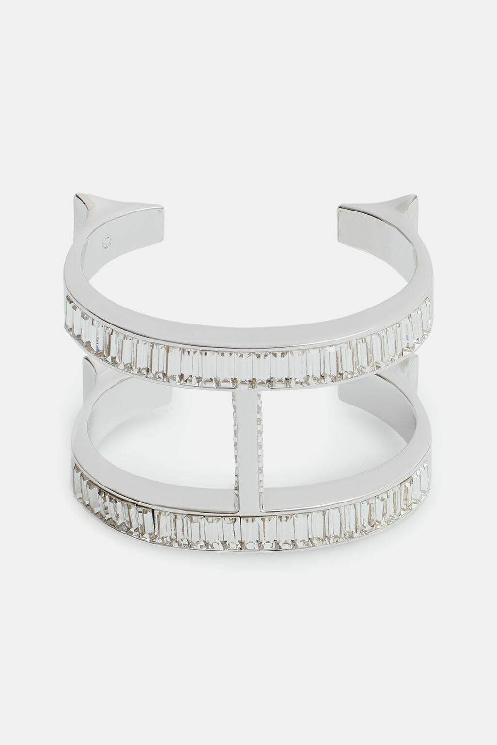 CH-Carolina-herrera-insignia-jewelry-look-11