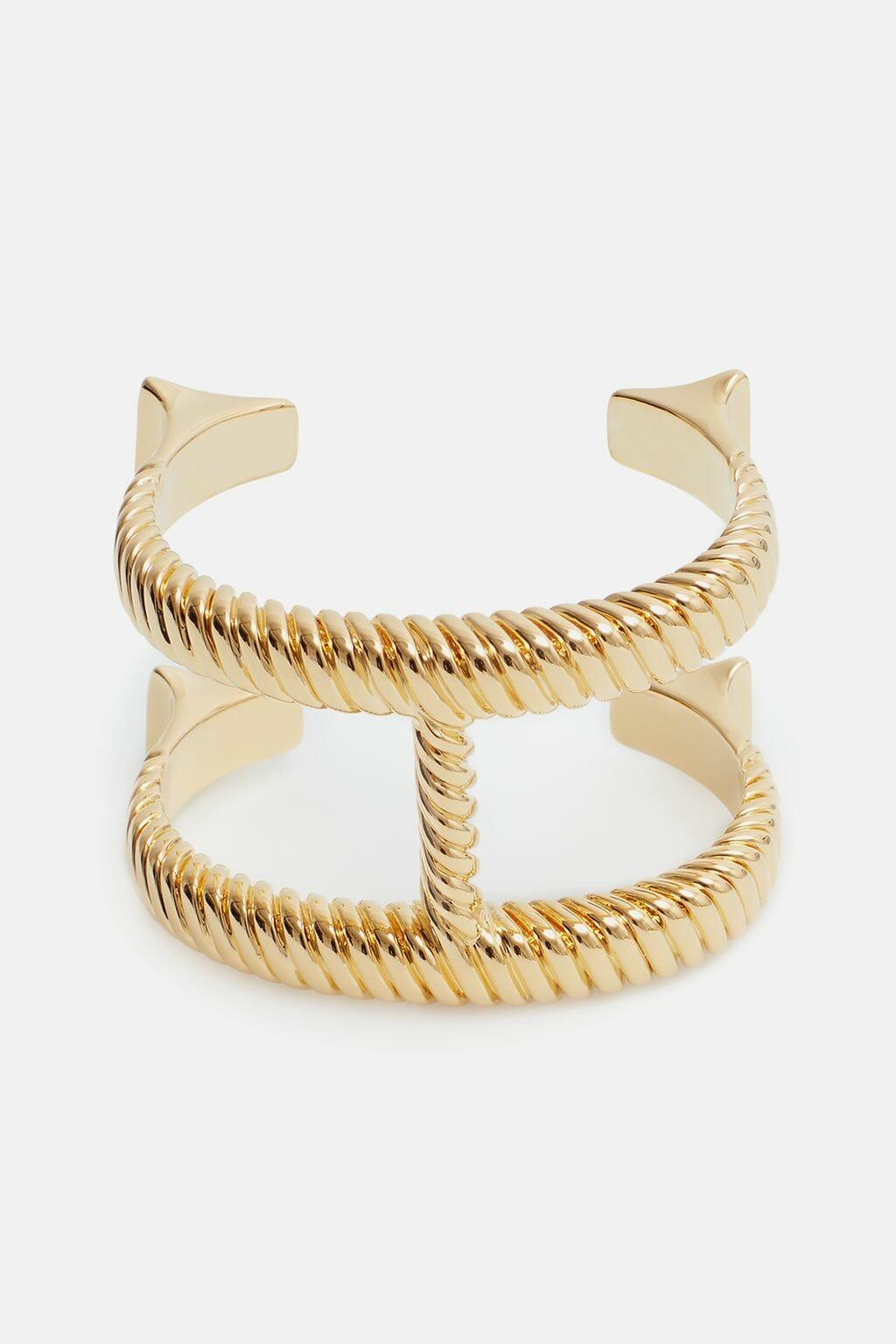 CH-Carolina-herrera-insignia-jewelry-look-12