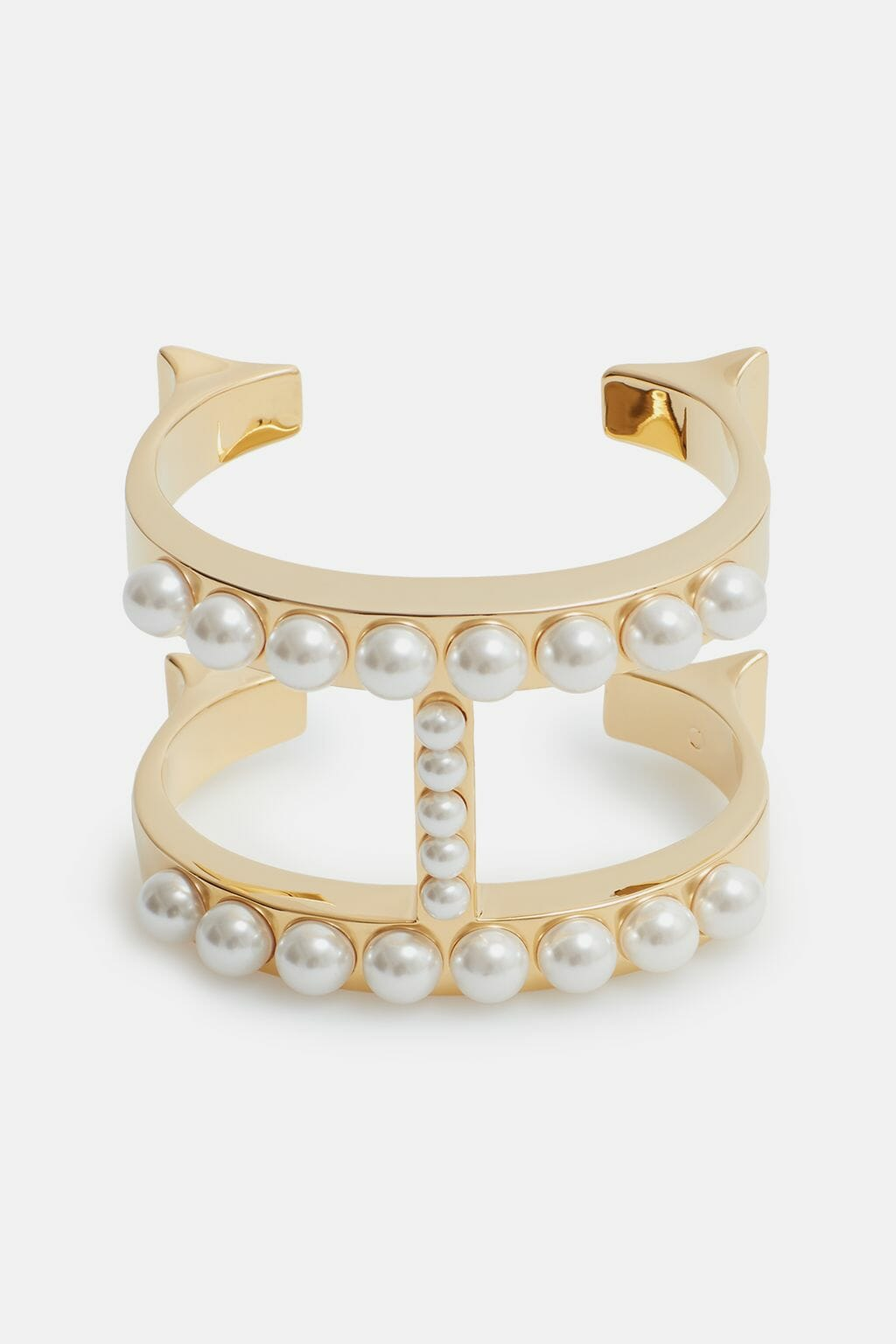 CH-Carolina-herrera-insignia-jewelry-look-13