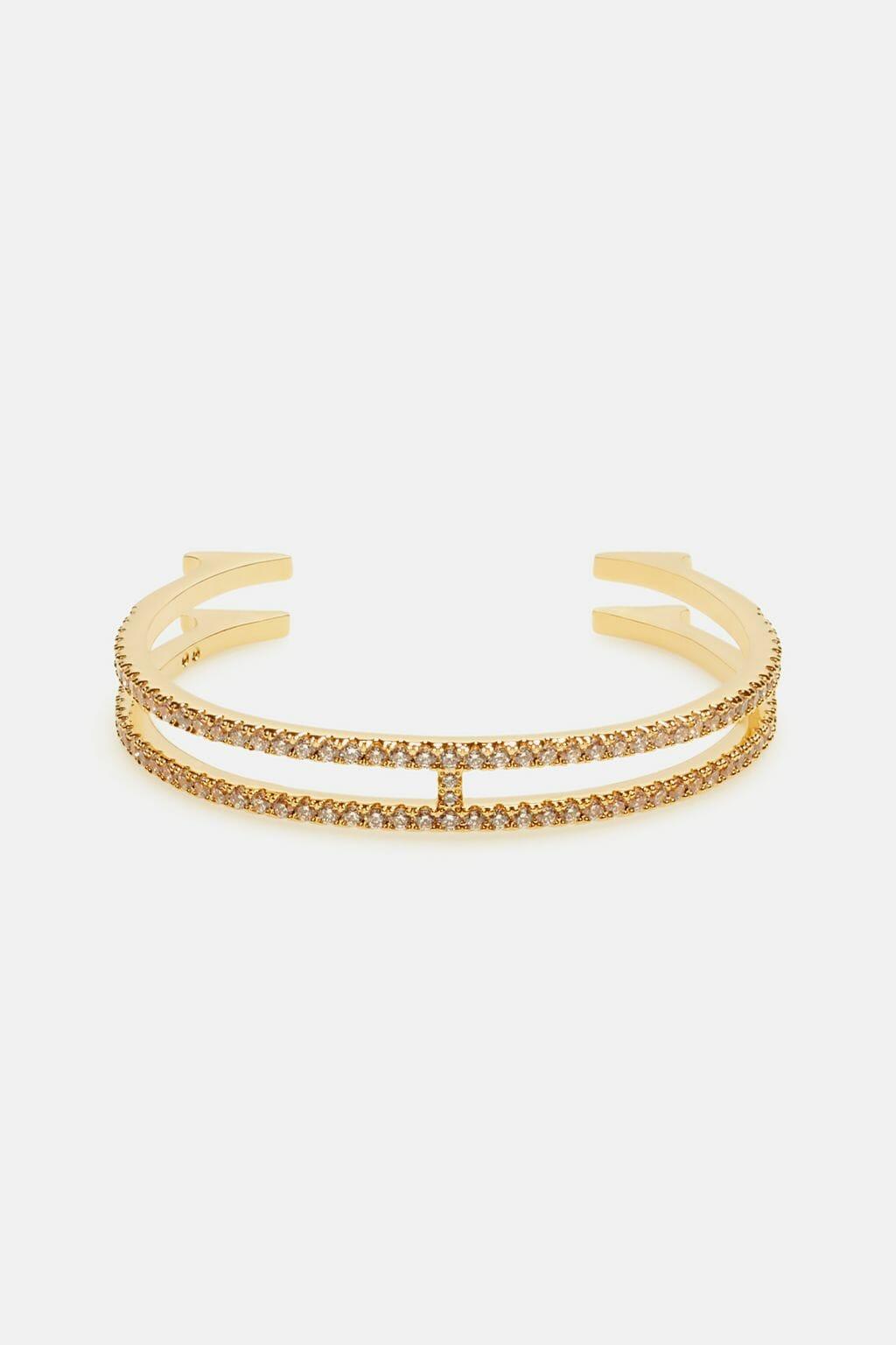 CH-Carolina-herrera-insignia-jewelry-look-20