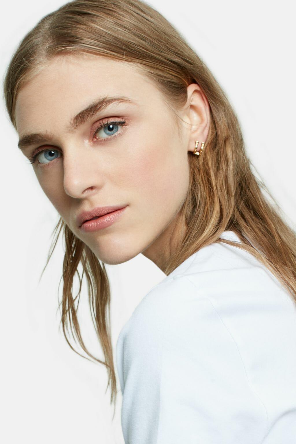 CH-Carolina-herrera-insignia-jewelry-look-24