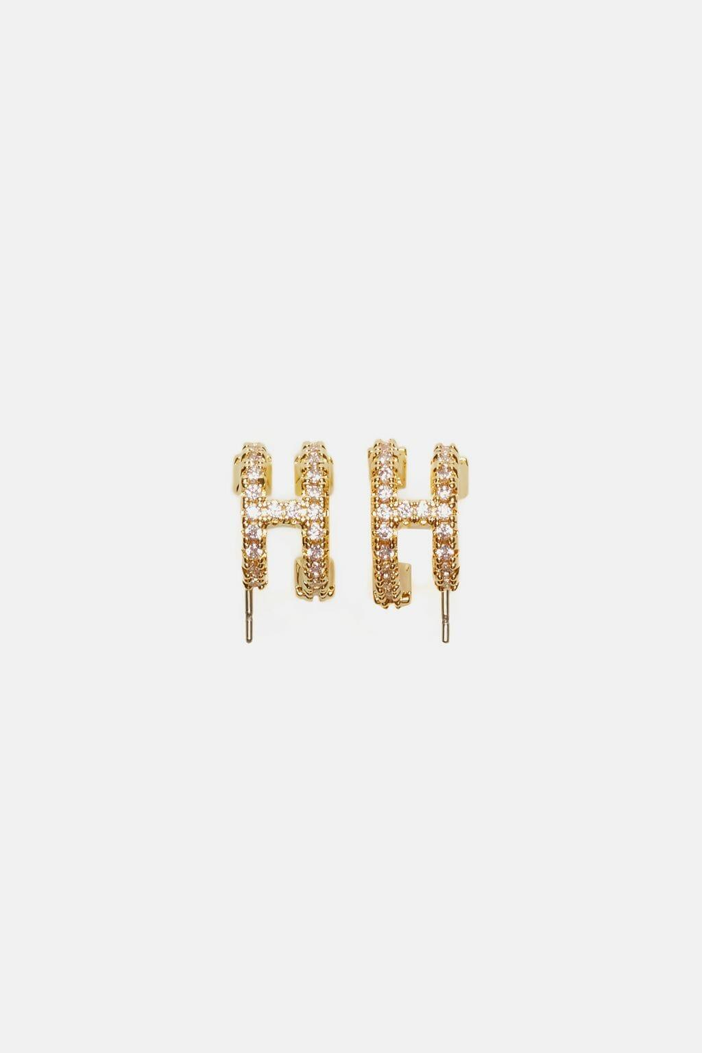 CH-Carolina-herrera-insignia-jewelry-look-25
