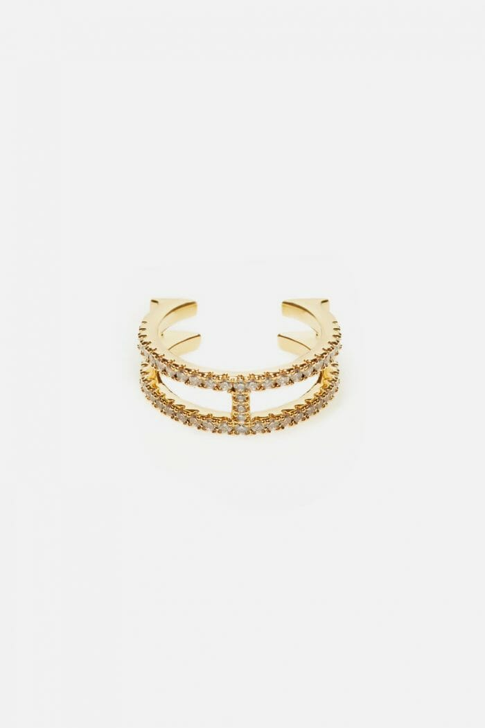 CH-Carolina-herrera-insignia-jewelry-look-28