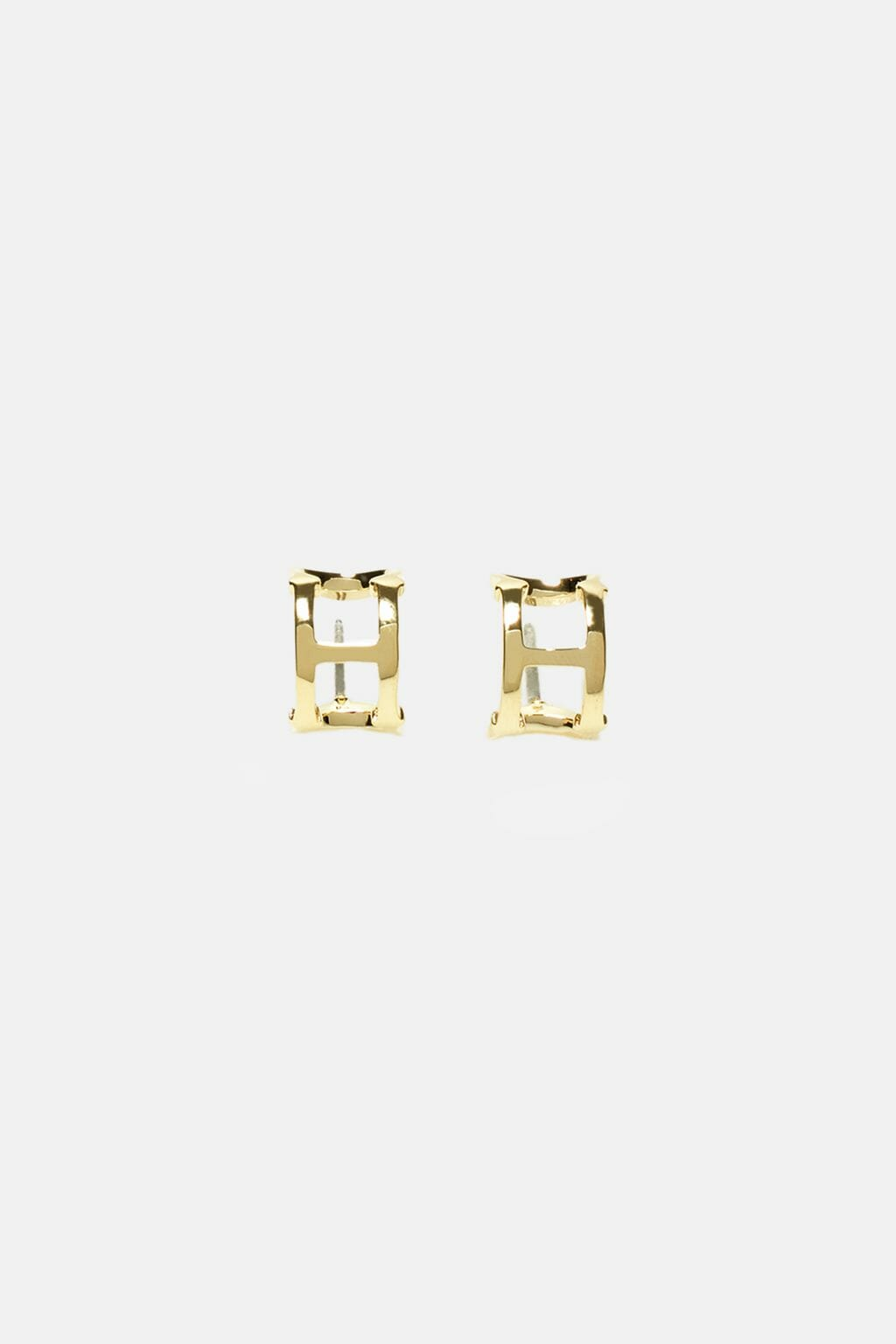 CH-Carolina-herrera-insignia-jewelry-look-3