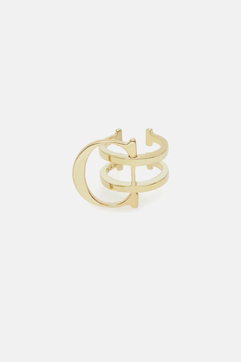CH-Carolina-herrera-insignia-jewelry-look-8