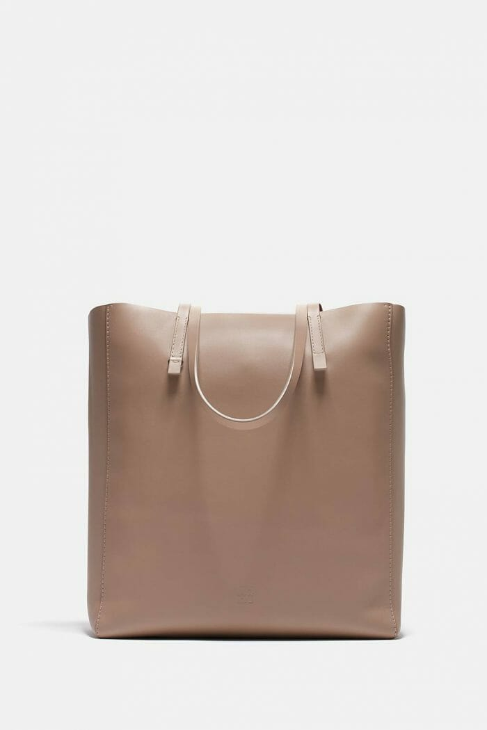 CH-Carolina-herrera-bags-collection-must-have-look-57