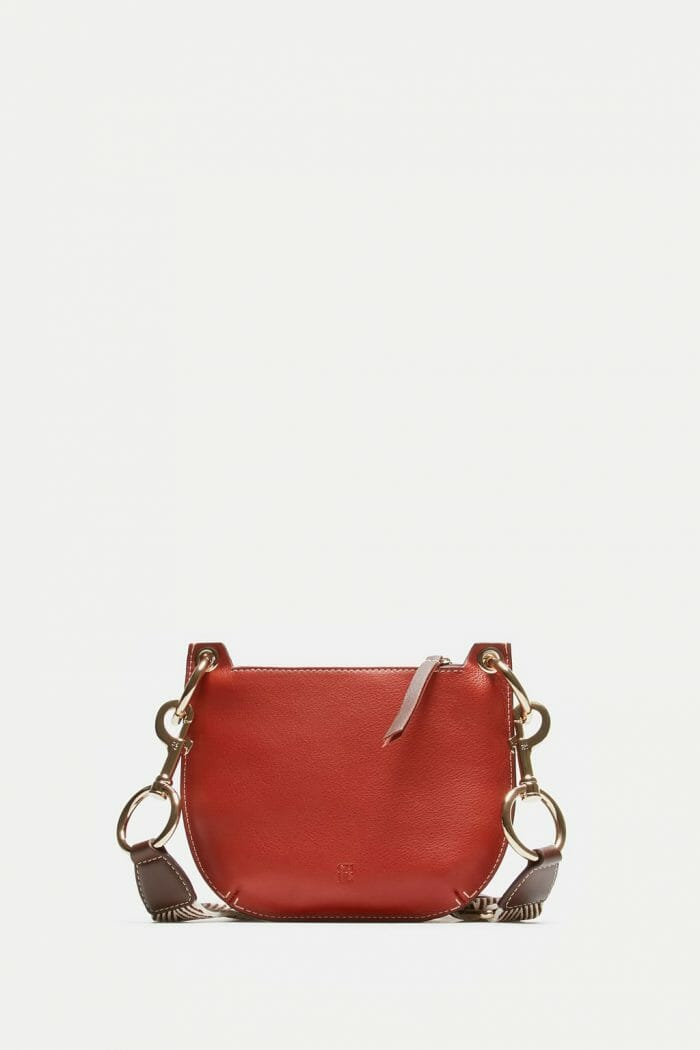 CH-Carolina-herrera-bags-collection-must-have-look-77