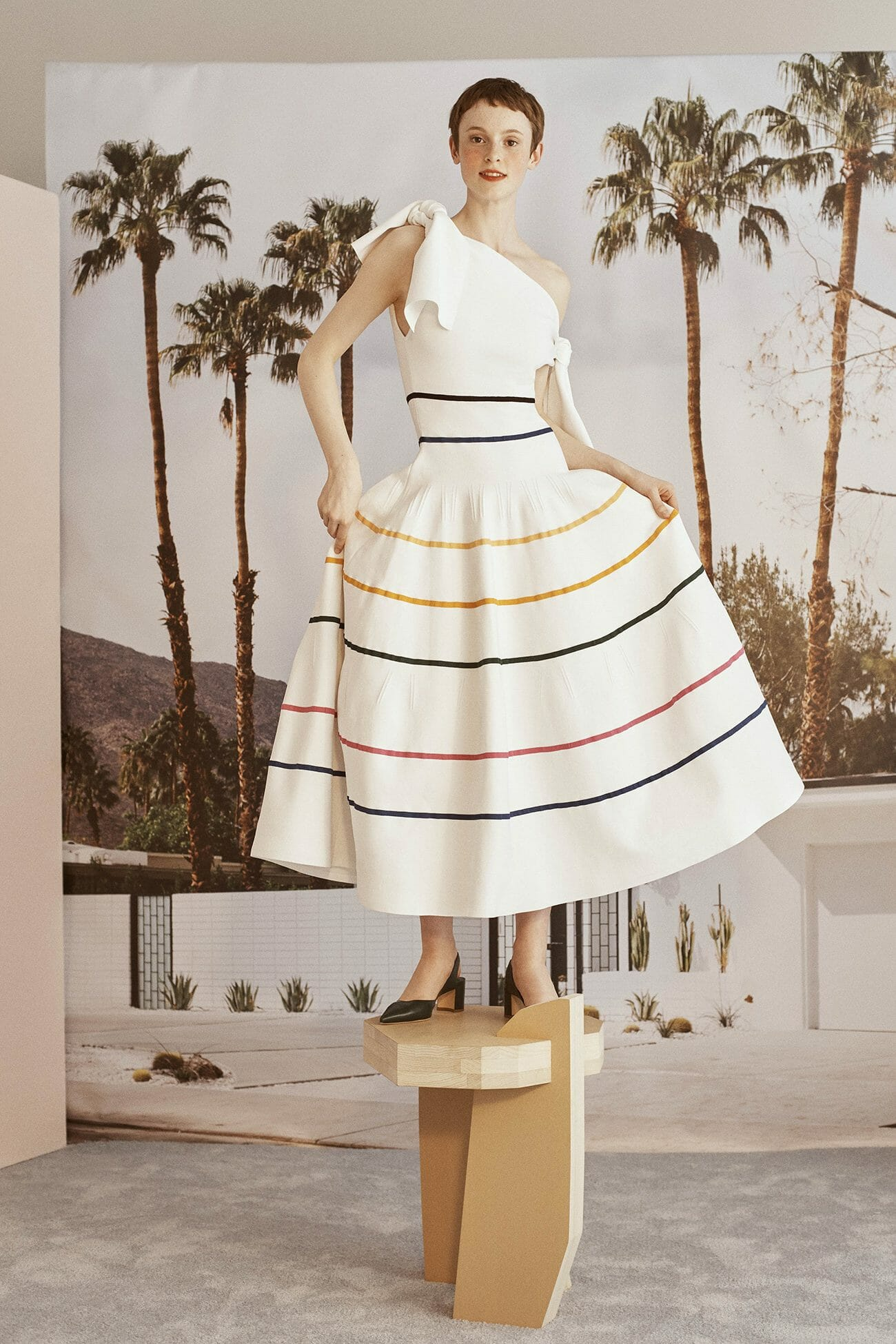 Carolina-Herrera-Resort-2019-look-38
