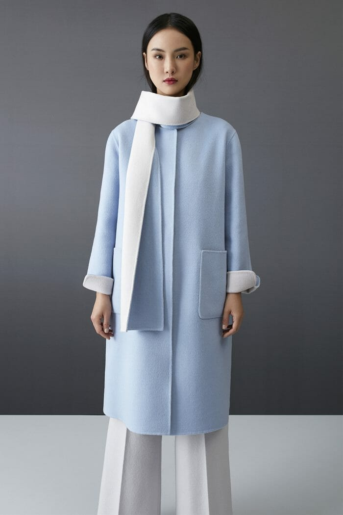 ch-carolina-herrera-fashion-fall-2018-coat-blue-white