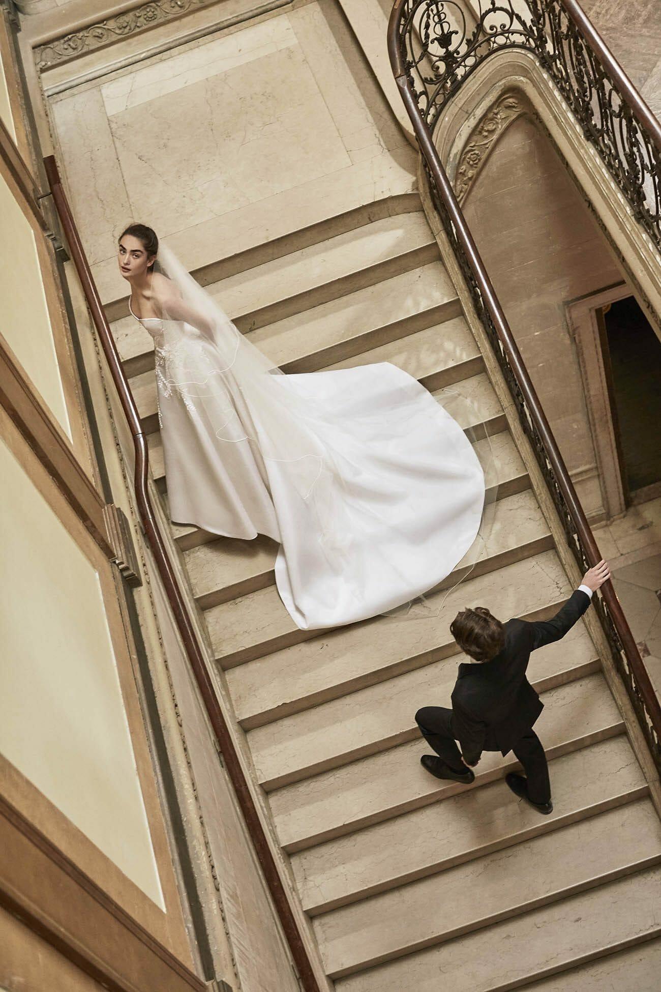 Carolina-Herrera-New-York-BridalSpring-2019-look-18