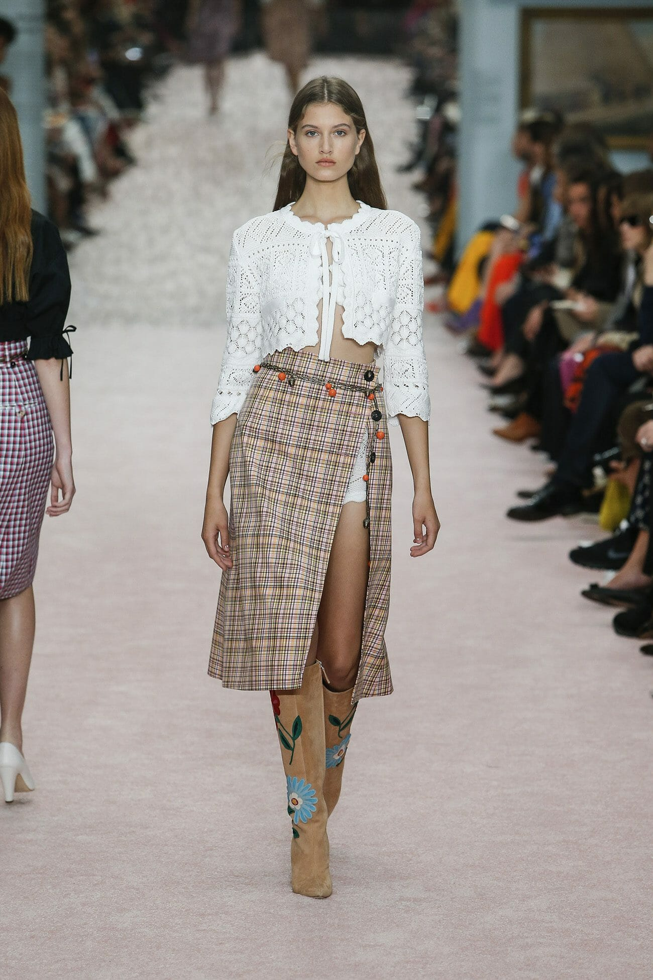 Carolina-Herrera-New-York-Spring-2019-look-4