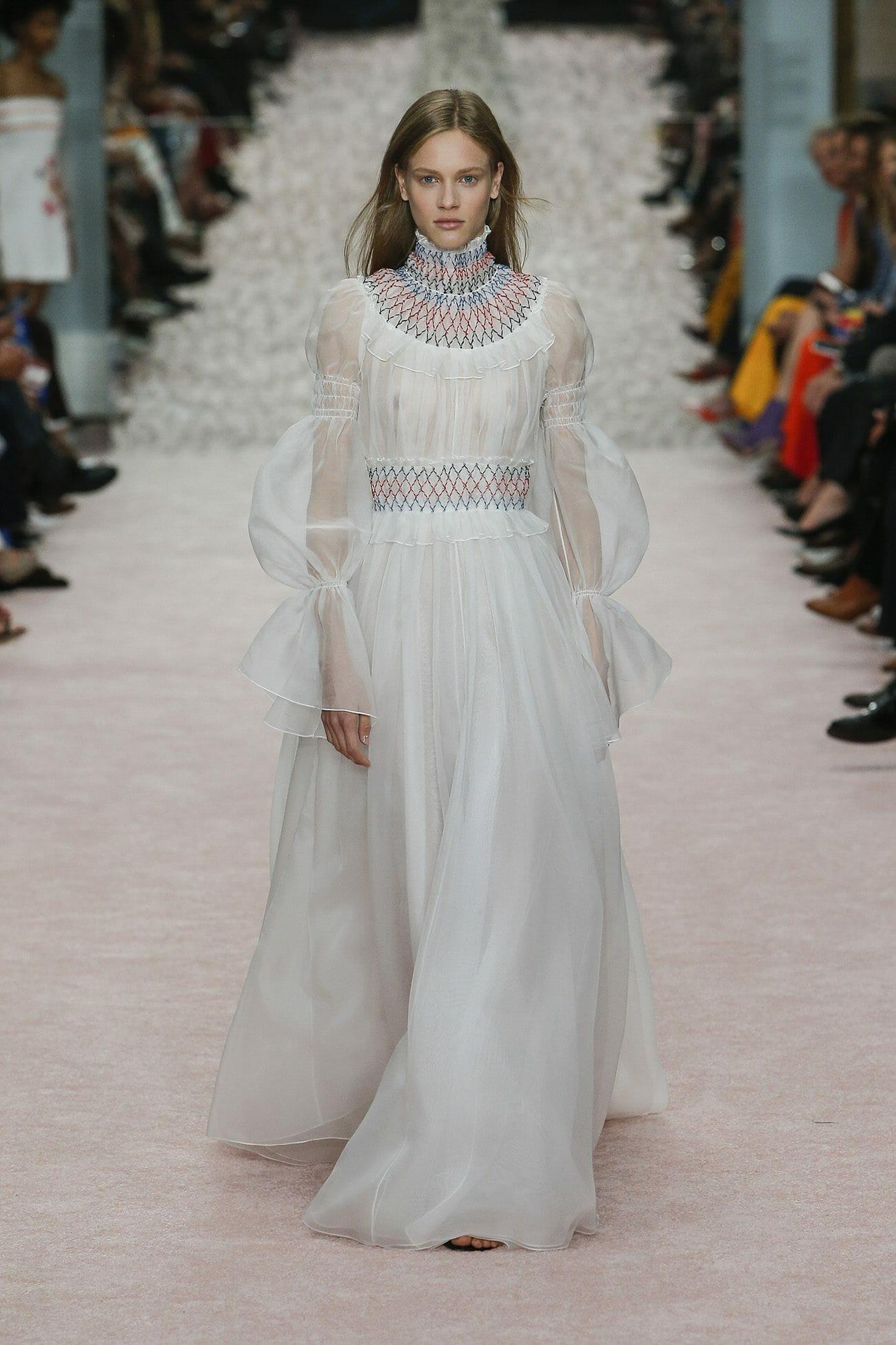 Carolina-Herrera-New-York-Spring-2019-look-18