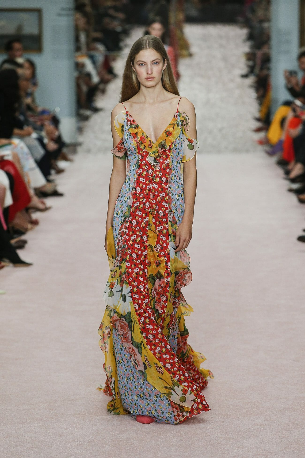 Carolina-Herrera-New-York-Spring-2019-look-26