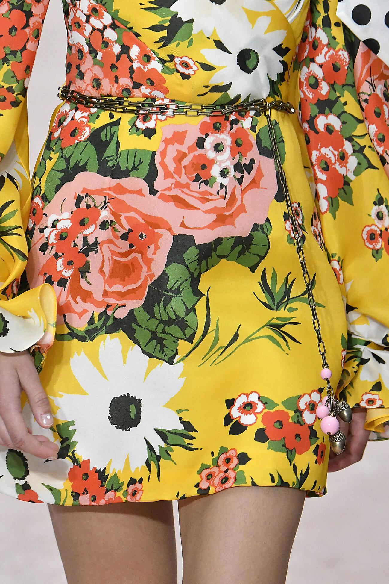 Carolina-Herrera-New-York-Spring-2019-look-21