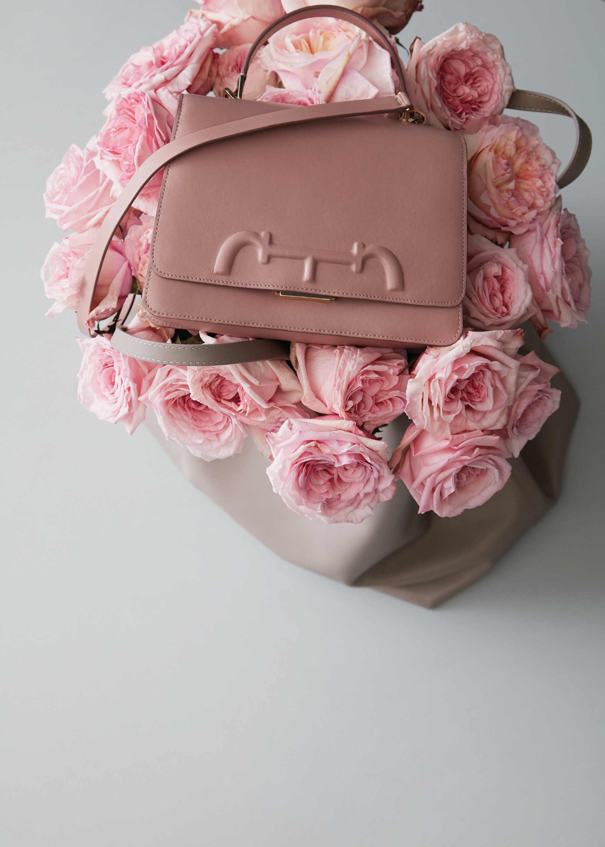CH-VICTORIA-INSIGNIA-HOME-PINK-PEONIES