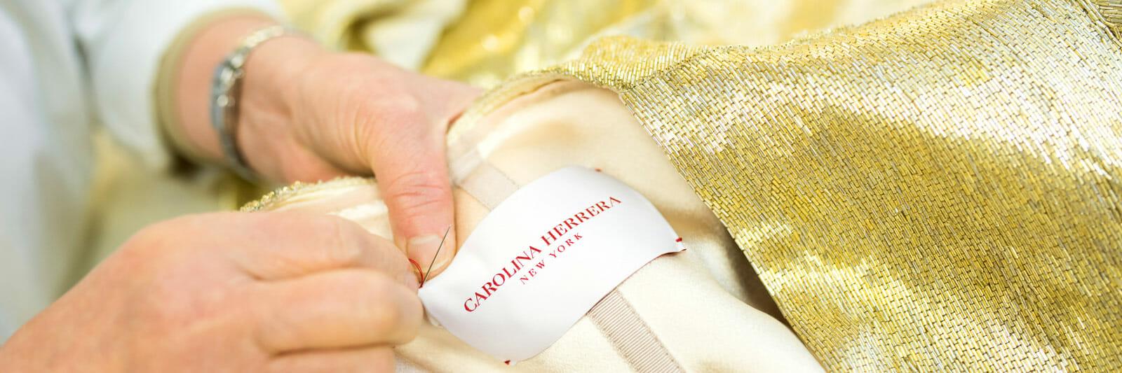 Carolina-Herrera-New-York-custom-Oscars-Gown-Glenn-Close