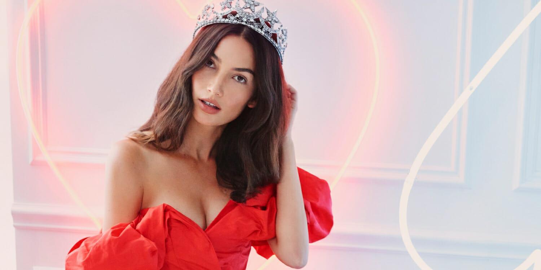 ch_carolina-herrera-ch-queens-lily-homepage-jpg