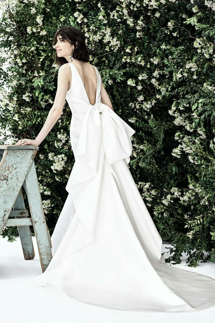 carolina herrera bridal bow gown spring 2020