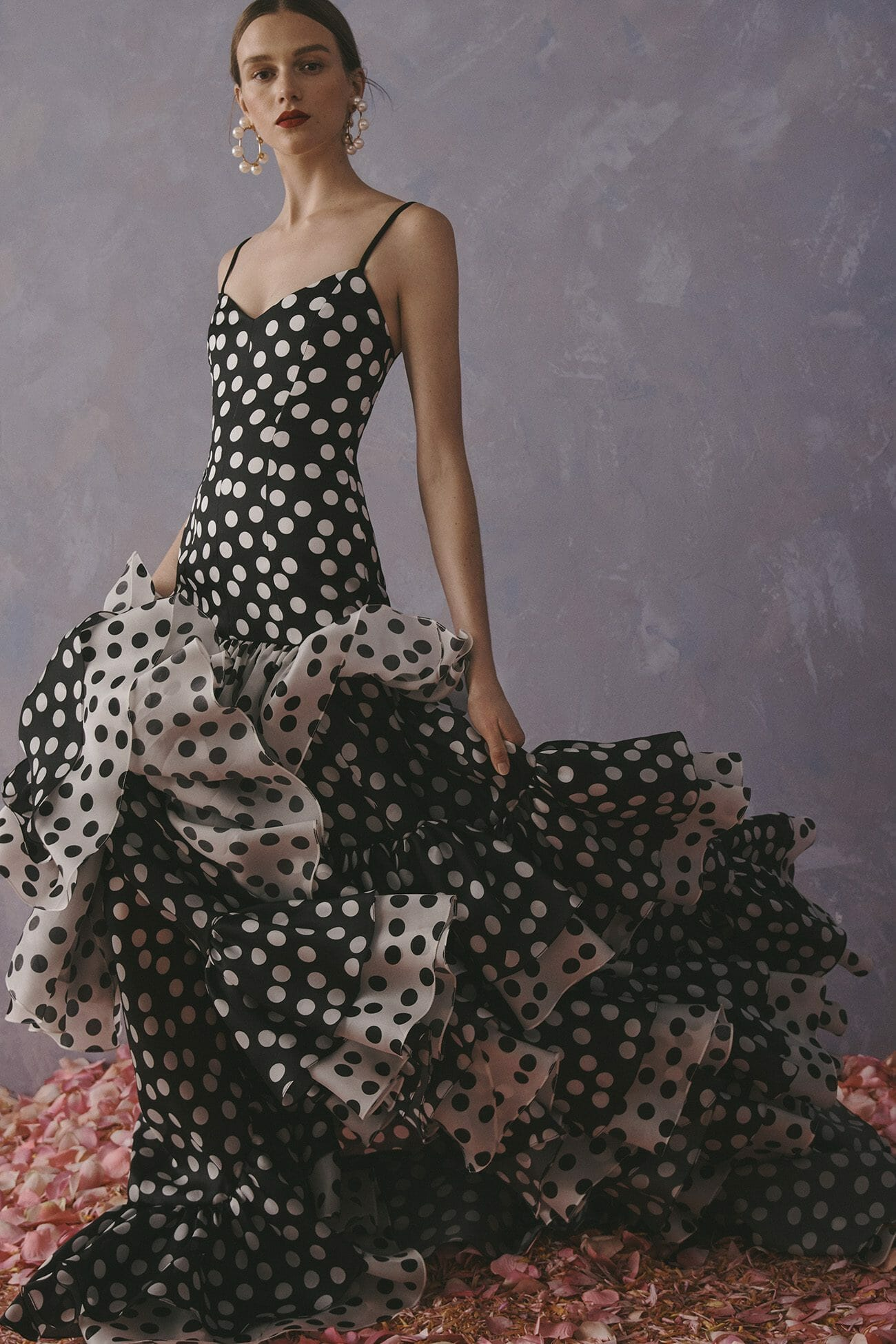 Carolina Herrera New York Resort 2020 Coleção polka dot dress gown black white