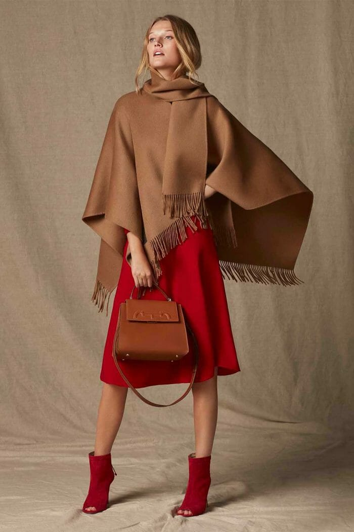 CH Carolina Herrera. New womenswear collection Falling for CH, featured with Doma Insignia bag. Look 18