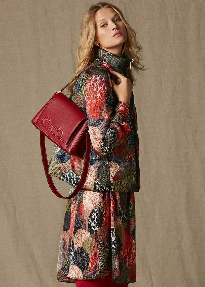 2db89e035 الموقع الإلكتروني الرسمي لـ Carolina Herrera   الأزياء والعطور الأنيقة