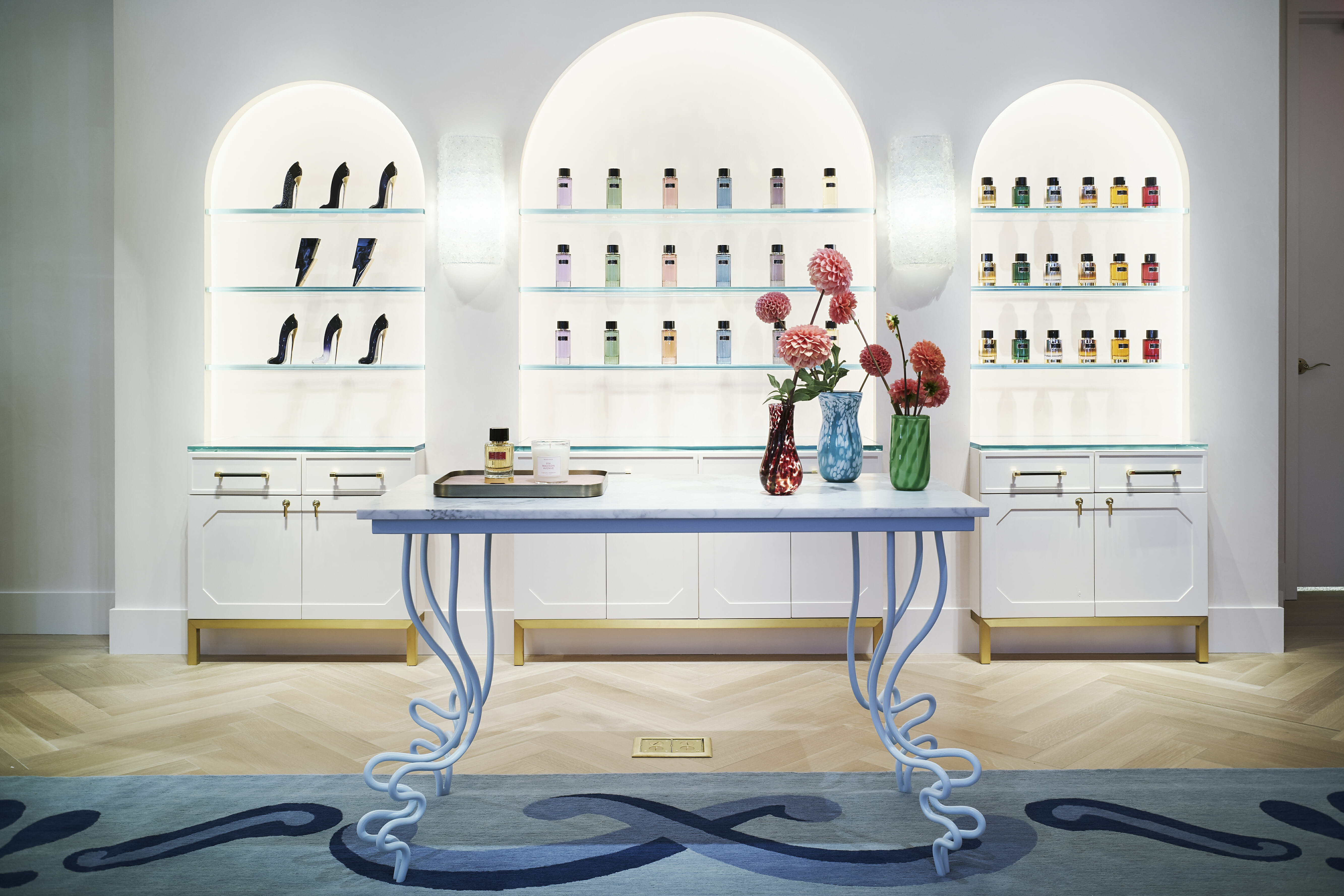 Carolina Herrera unveils its new store experience