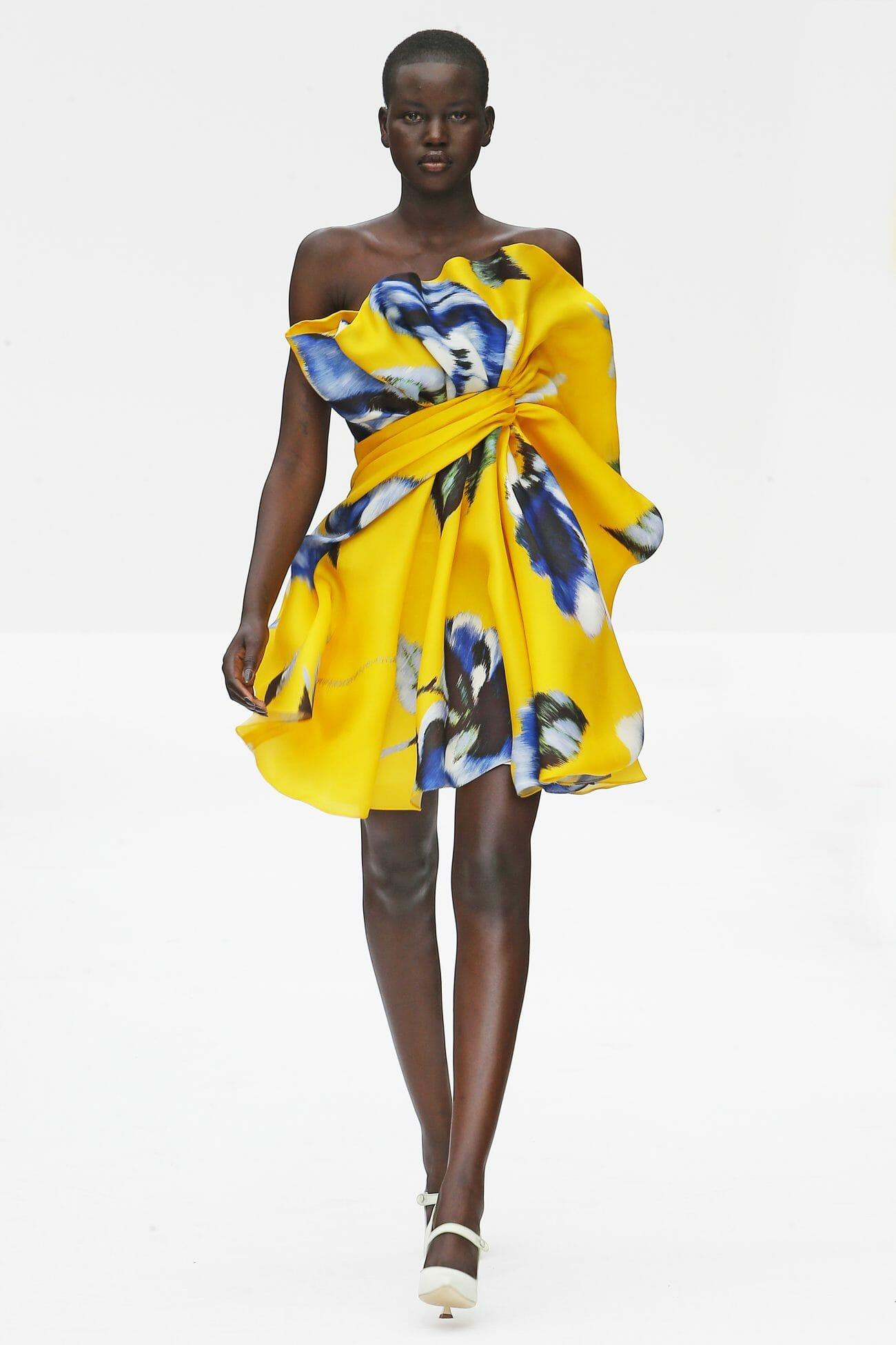 Carolina Herrera New York yellow mini dress