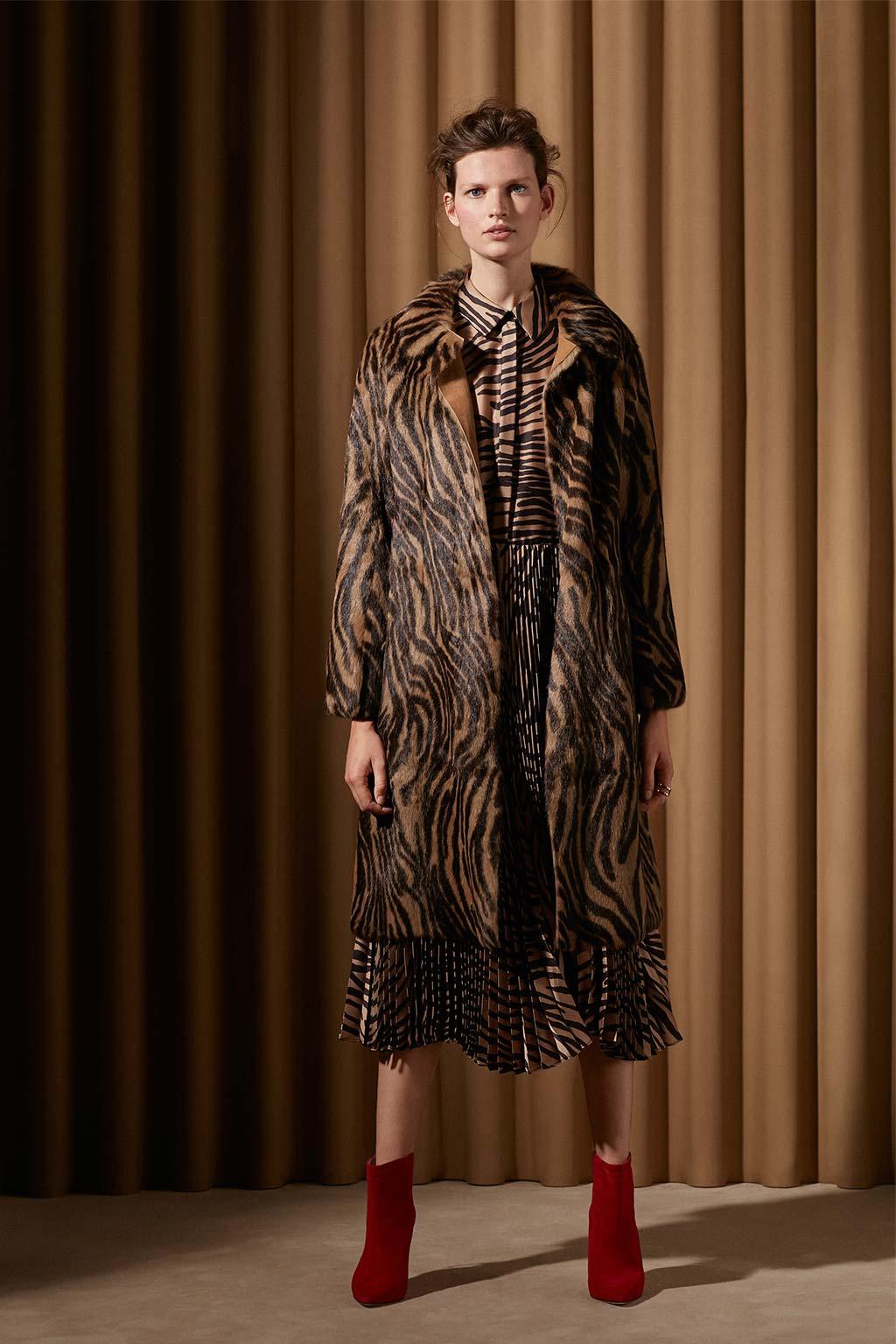 CH Carolina Herrera. New womenswear collection Spotlight. Look 15